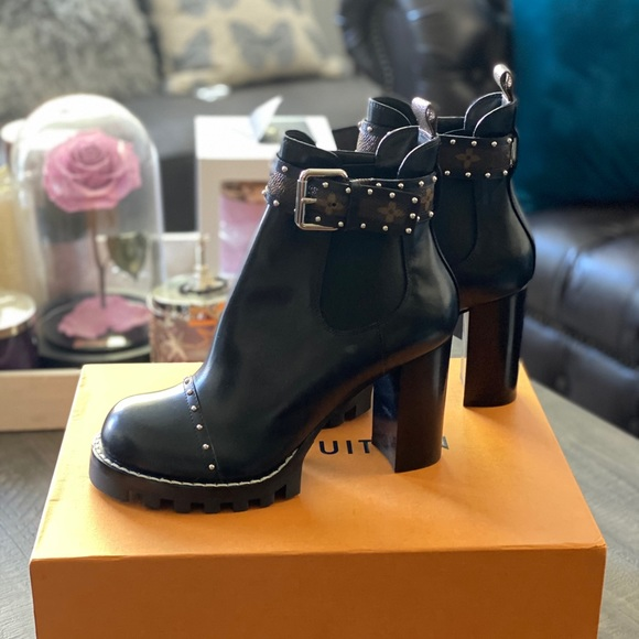 Louis Vuitton Star Trail Chelsea Boots size 41